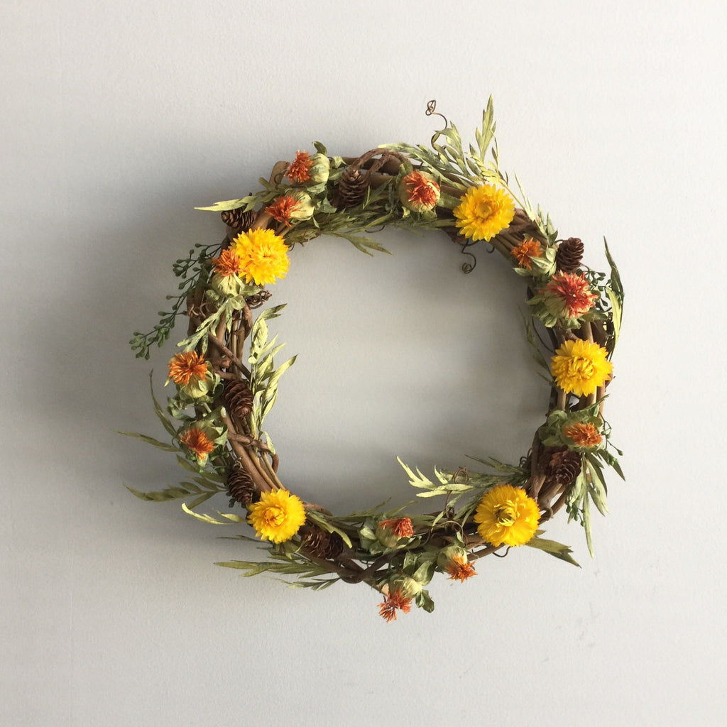 Safflower Wreath | Dried Grevillea Wreath | Yellow Strawflower Wreath | Seeded Eucalyptus Wreath | Dry Wreath for the Door | Grapevine Wreath Frame