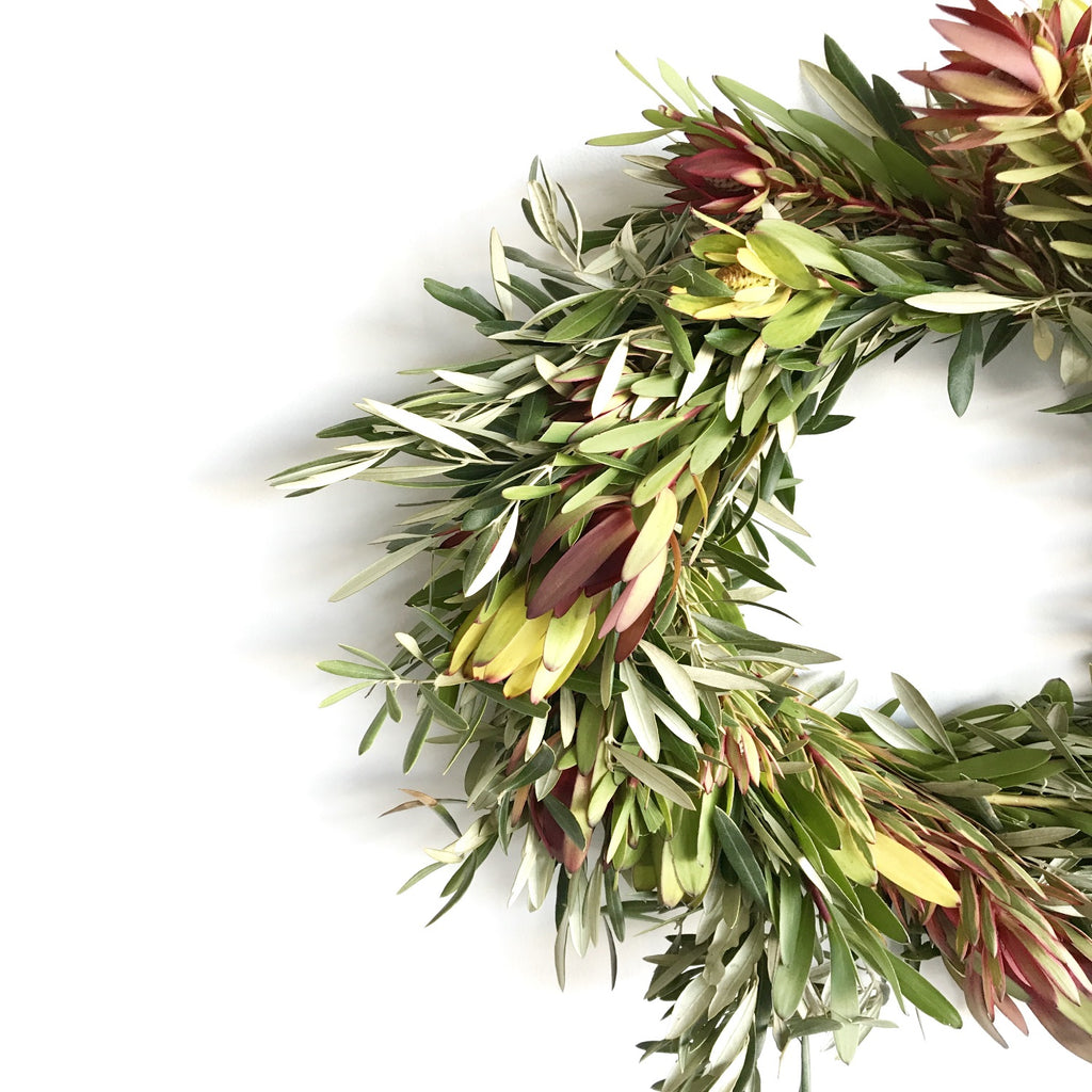 California Sunset Leucadendron Wreath | Club Botanic | Wreath Decor Modern | Modern Wreath Decor | Fall Wreath Modern | Fresh Wreath for Fall Modern | Modern Fall Wreath | Modern Autumn Wreath