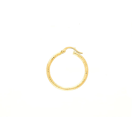 18kt gold hollow loop earrings with a diamond cut design.