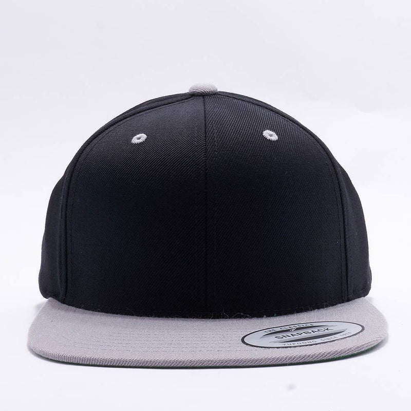 Yupoong Classic Blank Black Silver Snapback