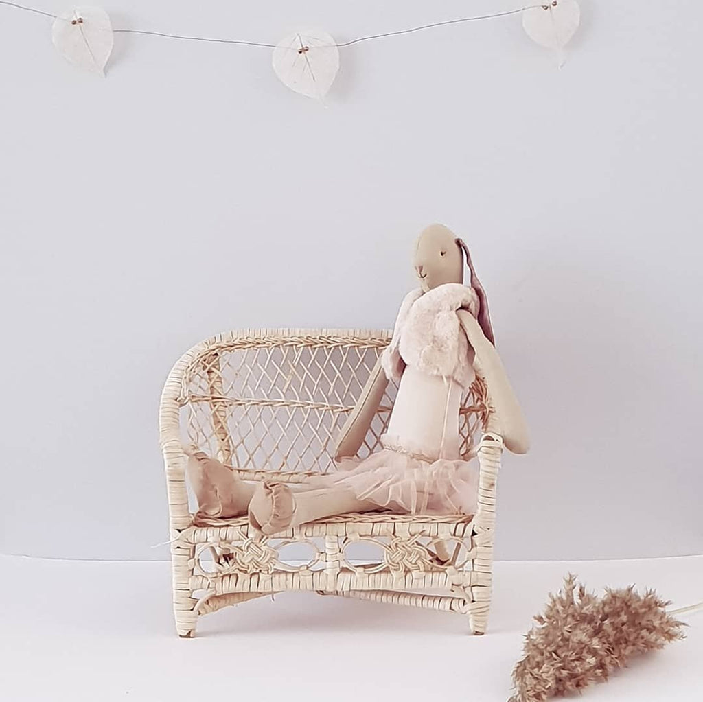 sofa bench rattan toys dolls