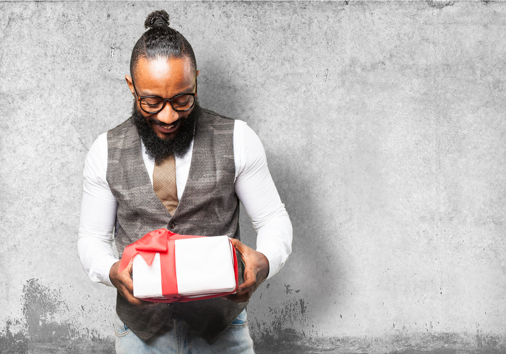 Inexpensive but original Christmas gifts for men