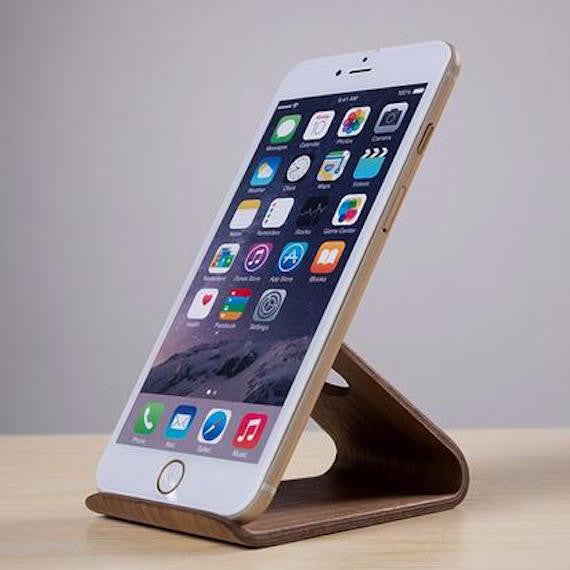 Wooden iPhone Holder by Samdi