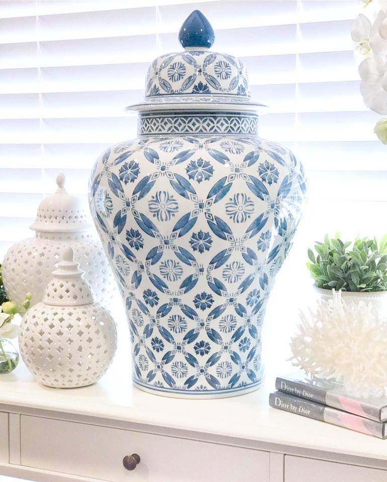 Magnificent Blue & White Extra Large Ginger Jar