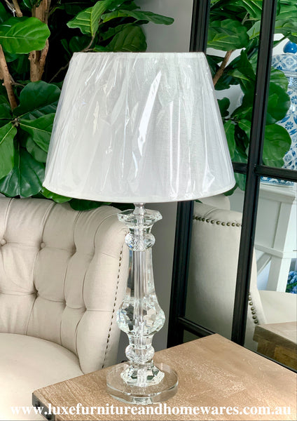 Luxurious Crystal Lamp With Shade In Medium
