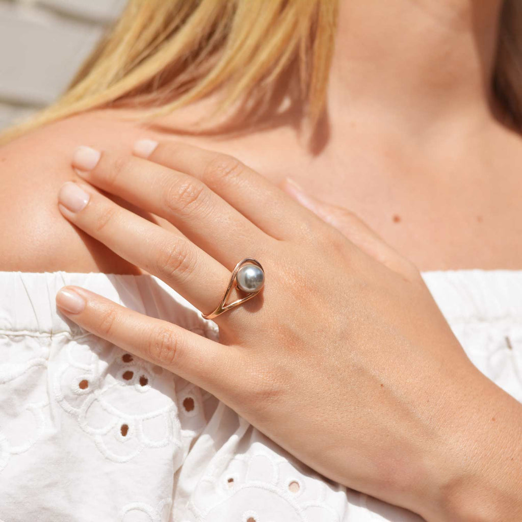 Ring with Grey Freshwater Pearl, sustainable unique design