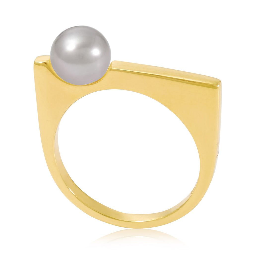 Minerva Gold Ring with Grey Pearl