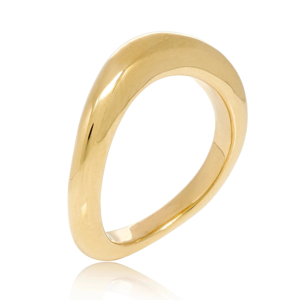 WAVE SCULPTURED GOLD RING
