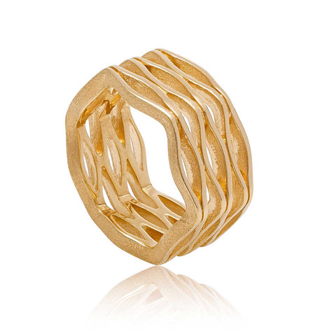 Onda Gold Ring with Organic Design