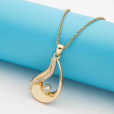 Beauty Illusion Pendant in Gold Plated