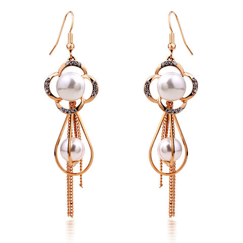 Clover Pearl Dangle Earring