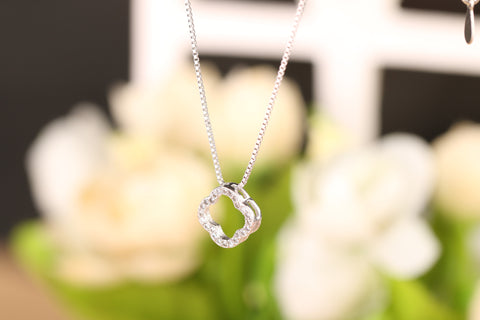 Clover Pendant Silver Chain Necklace