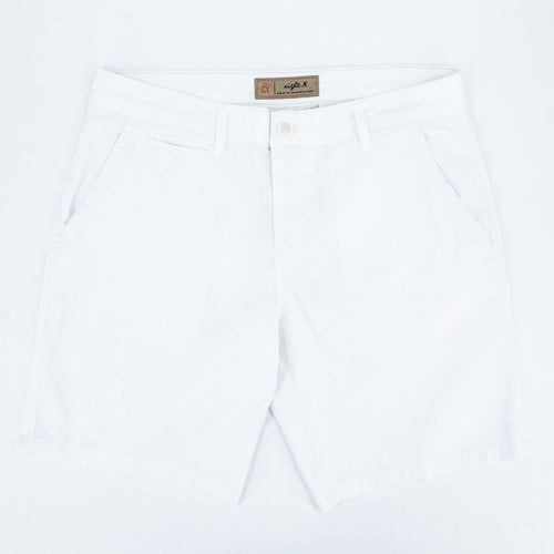 White jacquard shorts with two front slant-pockets; one front welt-pocket; and embroidered logo on front right pocket.