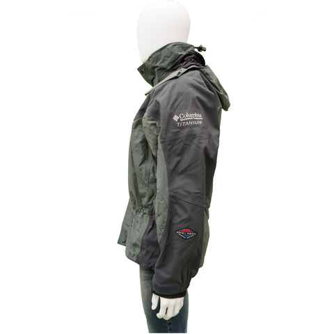 COLUMBIA TITANIUM OMNI TECH SKI JACKET Shop online the best value on authentic designer used preowned consignment on Leef Luxury.