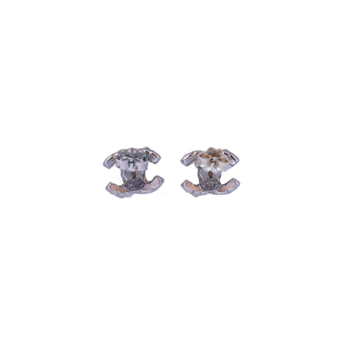 CHANEL 2014 CC PEARL AND SILVER STUD EARRINGS - leefluxury.com