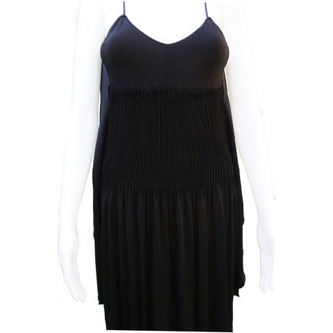 CHANEL SLEEVELESS BACKLESS JERSEY 2009 SPRING COLLECTION DRESS  Shop online the best value on authentic designer used preowned consignment on Leef Luxury.
