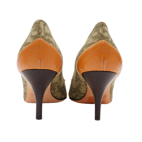 CHRISTIAN DIOR DIORISSIMO POINTED-TOE PUMPS - leefluxury.com