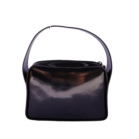 GUCCI G BLACK PATENT HANDLE BAG Shop online the best value on authentic designer used preowned consignment on Leef Luxury.