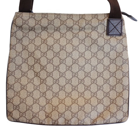 GUCCI GG SUPREME CROSSBODY MESSENGER TRAVEL BAG   Shop online the best value on authentic designer used preowned consignment on Leef Luxury.