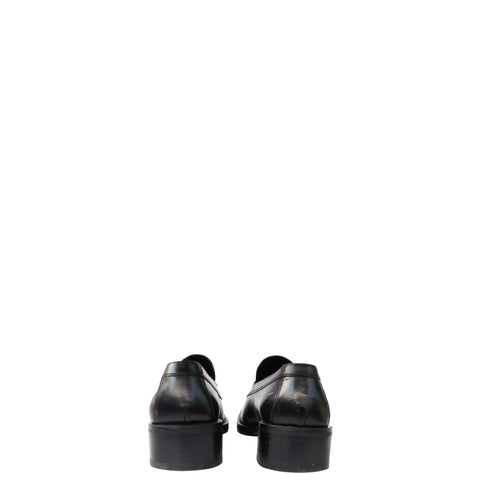 GUCCI BLACK LEATHER SLIP ON LOAFER  Shop online the best value on authentic designer used preowned consignment on Leef Luxury.