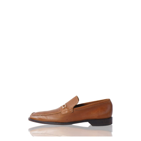 GUCCI GG LEATHER SLIP-ON LOAFERS - leefluxury.com