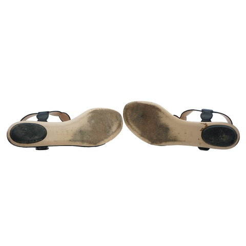 GUCCI 2016 WILLOW PEARL THONG SANDALS Shop online the best value on authentic designer used preowned consignment on Leef Luxury.