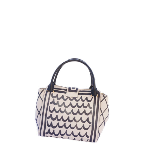 BURBERRY MEDIUM TOTE NEW NO TAGS - leefluxury.com