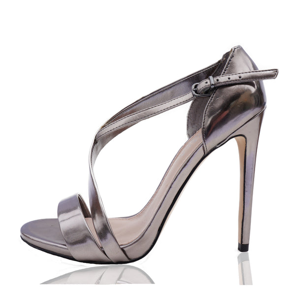 CARVELA KURT GEIGER SILVER METALLIC PATENT LEATHER STRAPPY SANDAL
