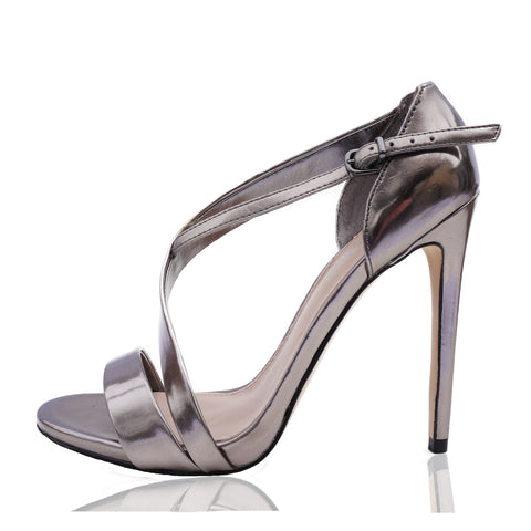 CARVELA KURT GEIGER SILVER METALLIC PATENT LEATHER STRAPPY SANDAL Shop the best value on authentic designer used preowned consignment on Leef Luxury