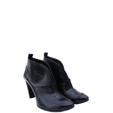 COSTUME NATIONAL LEATHER CAP-TOE BOOTIES
