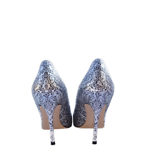 MANOLO BLAHNIK BB 100 SILVER AND BLACK BROCADE STAMPED LEATHER  PUMPS Shop the best value on authentic designer resale consignment on Leef Luxury