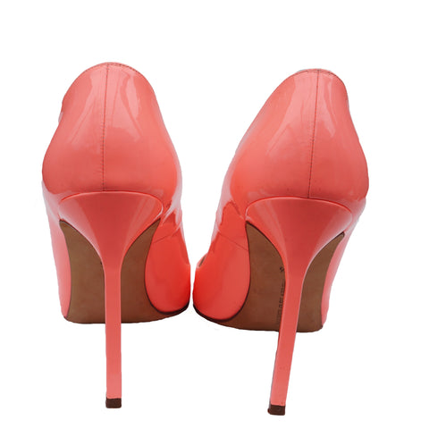MANOLO BLAHNIK BB CORAL PATENT LEATHER PUMP Shop online the best value on authentic designer used preowned consignment on Leef Luxury.