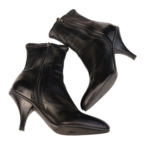PRADA CALZATURE DONNA LEATHER ANKLE BOOT - leefluxury.com
