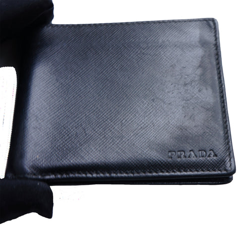 PRADA SAFFIANO BIFOLD LEATHER WALLET Shop online the best value on authentic designer used preowned consignment on Leef Luxury.