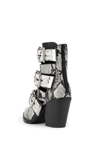 CACERES - Jeffrey Campbell