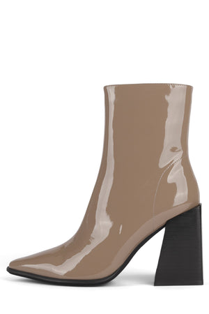 LA-SIREN Heeled Bootie STRATEGY Taupe Patent 6