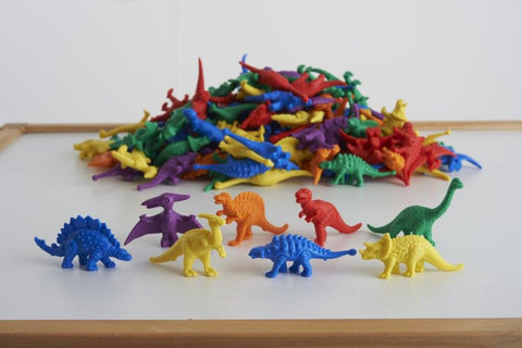 We all love sorting!  We all love colours and animals and dinos!