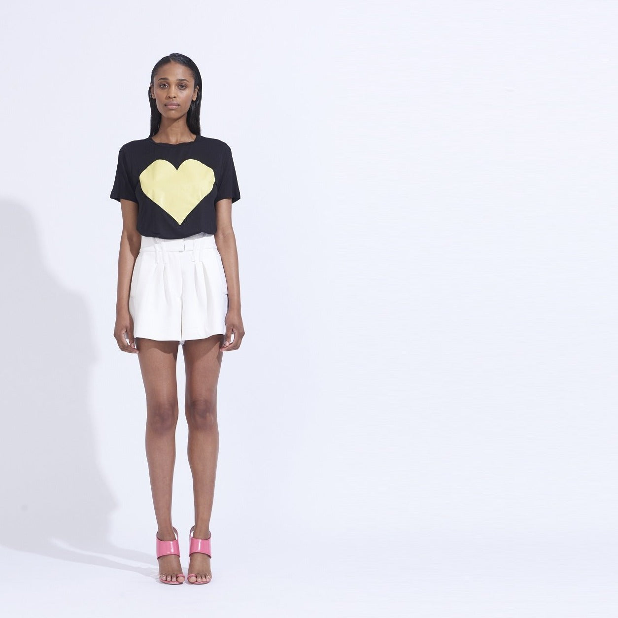 YELLOW HEART TEE