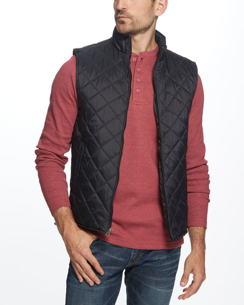 DIAMOND QUILTED VEST IN BLACK