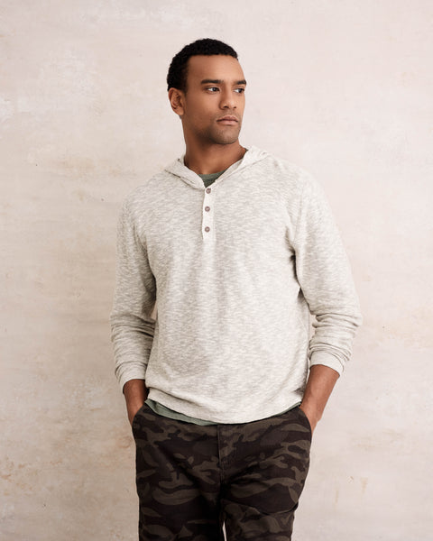 LINEN HOODED HENLEY IN LINEN TWIST