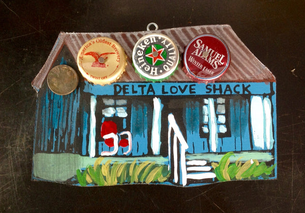 Tiny Love Shack (3/4 view)