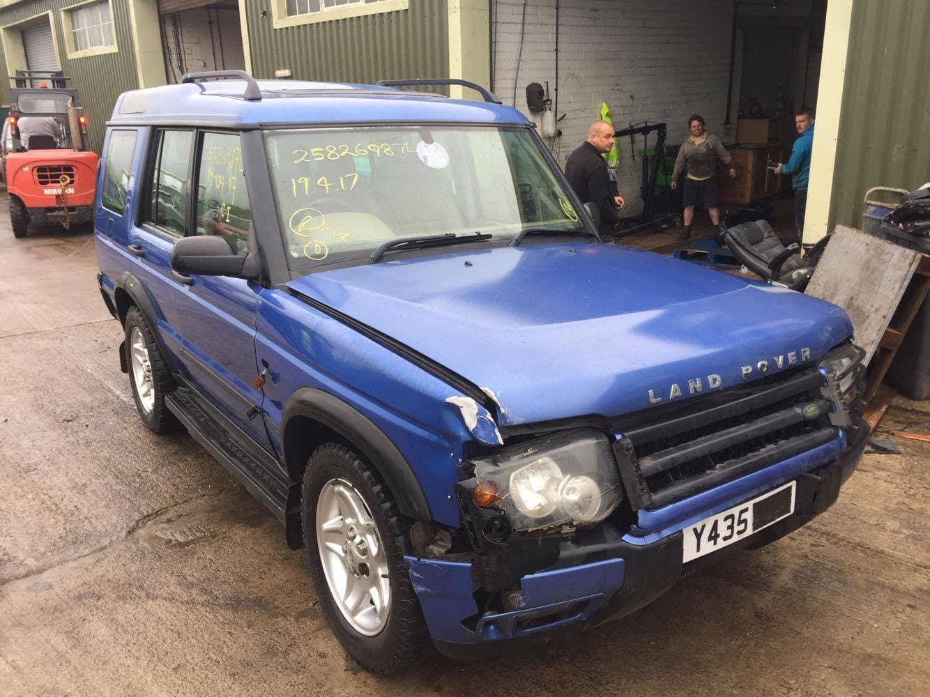 currently breaking 2001 land rover discovery 2 2 5l td5 es rh gentlemenofsalvage co uk 2001 land rover discovery service manual pdf land rover discovery 2001 owners manual