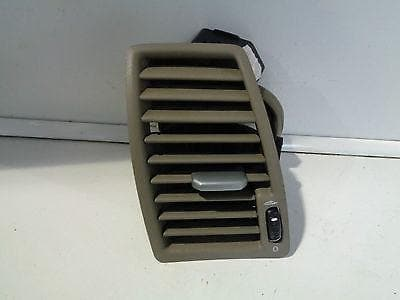 VOLVO XC90 NEAR SIDE FRONT DASH AIR VENT IN OAK / BEIGE - PASSENGER SIDE NSF