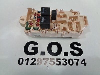 MITSUBISHI SHOGUN PAJERO MK3 3.2 Di-D INTERNAL FUSE BOX ASSEMBLY
