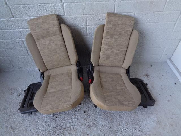 Discovery 2 Dickie Seats Pair 3rd Row Cream Cloth Land Rover D29050