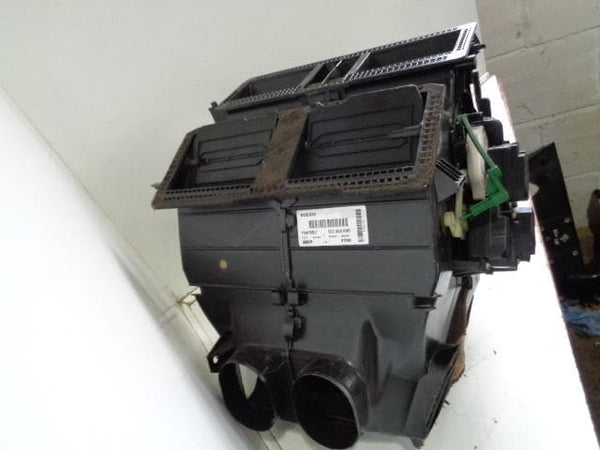 2002 - 2006 VOLVO XC90 2.4 D5 HEATER MATRIX AND HOUSING P30676517