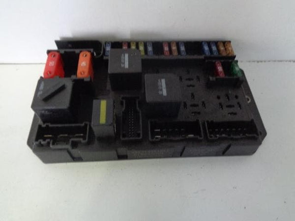 2005 - 2009 RANGE ROVER L322 4.2 V8 SUPERCHARGED ENGINE BAY FUSE BOX YQE500090