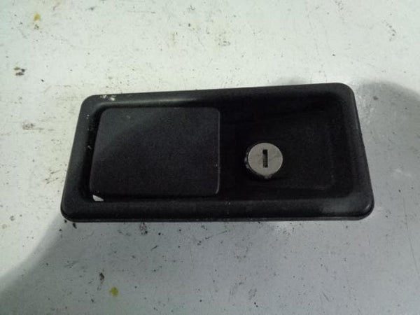Discovery 1 External Door Handle Near Side Front Land Rover B15109