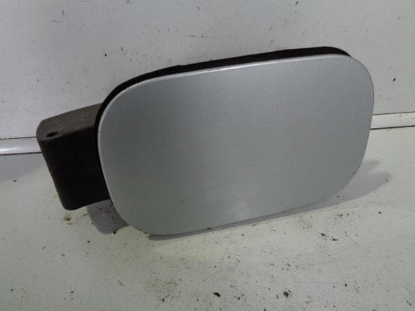 2004 - 2009 LAND ROVER DISCOVERY 3 FUEL FLAP AND CAP IN ZERMATT SILVER 798