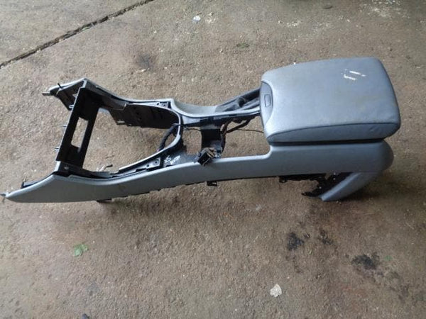 2001 - 2006 BMW X5 E53 CENTRE CONSOLE WITH GREY LEATHER ARM REST #18098